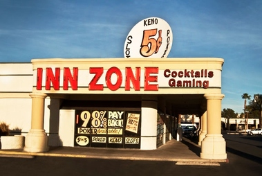 Inn Zone Flamingo