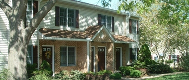 Hubers Villa Apts