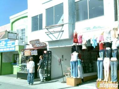 LAs Waterfront Gift Shops In Venice Beach