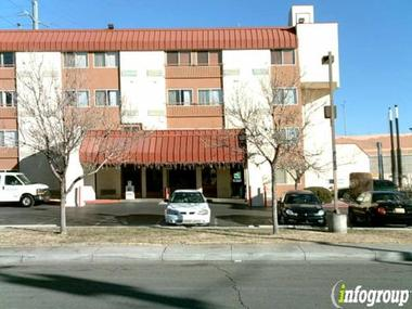 Quality Inn &amp; Suites Downtown Albuquerque
