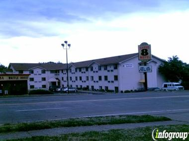 Super 8 Motel Bridgeton/airport/st Louis Area