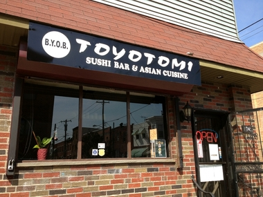 Toyotomi Sushi Bar & Asian Csn